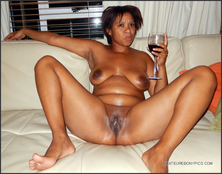 nude female havingsex whilepissing