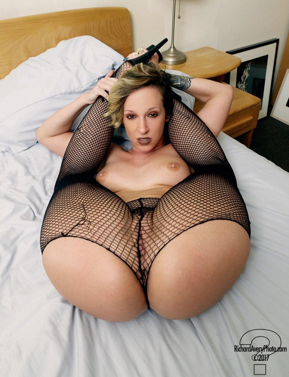 naked mom small penis